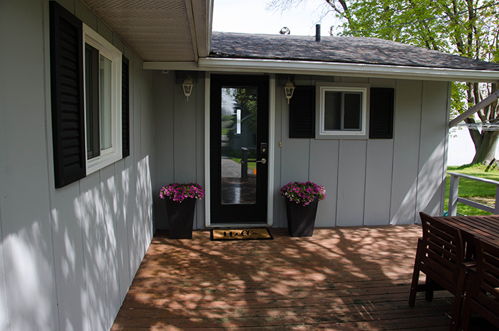 Prince edward county cottage rental entrance